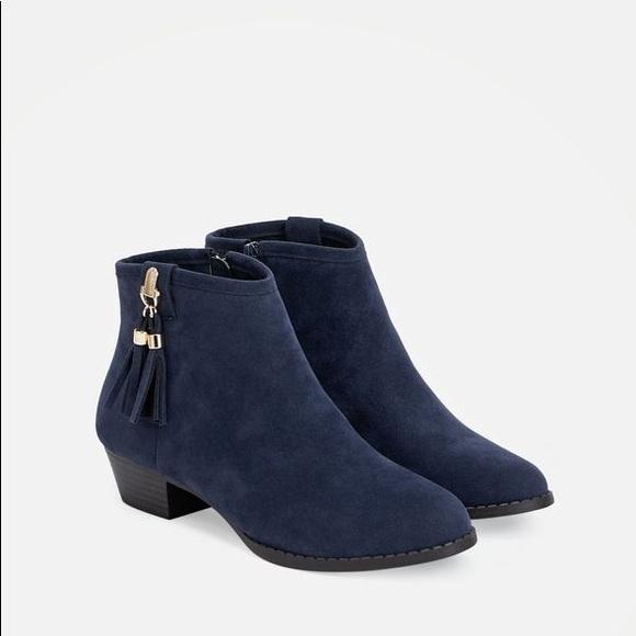 d1371baccf09 JustFab Shoes - Justfab Deep Blue Fallon Tassel Ankle Boots